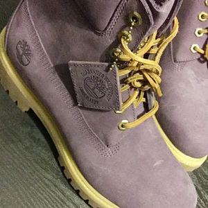 Men Timberland boot(9 unworn)